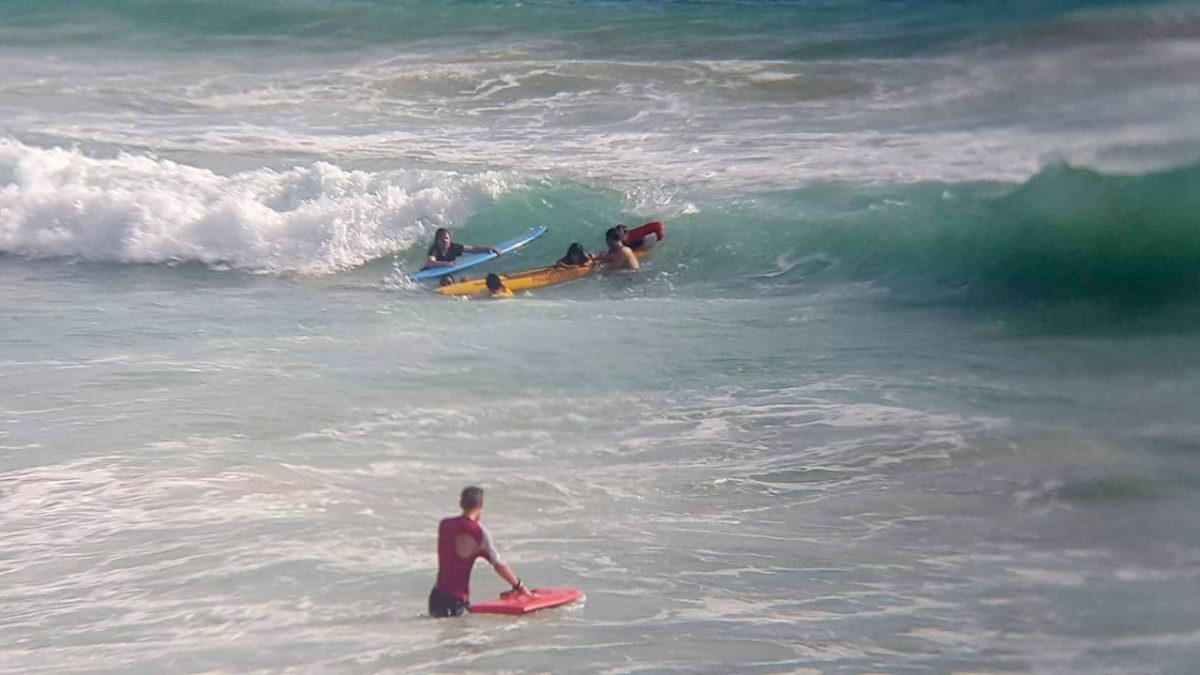 18 saved from Nai Harn surf