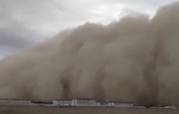 World news Apocalyptic Sandstorm Swallows Entire City In A Matter Of Moments