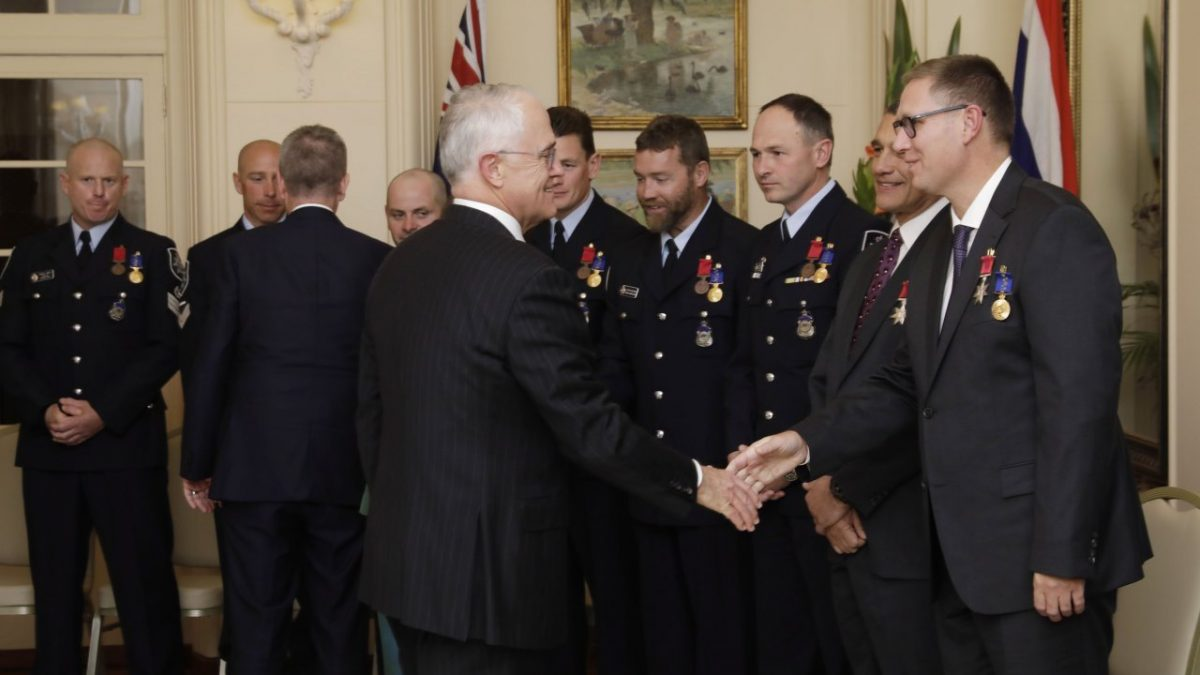 Australian members of Thai cave rescue team given nation's honor