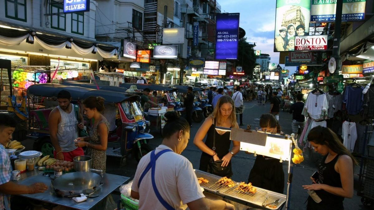 Khaosan vendors to 'disobey' orders from Monday