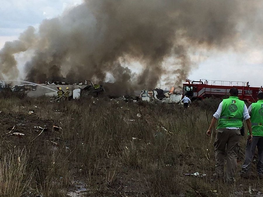 Passenger plane crash during take off in northern Mexico