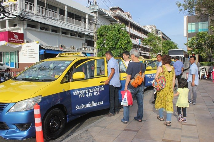 Pattaya cabbies want 100 baht fare for under 2k