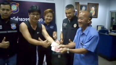 Pattaya taxi driver Chinese tourist wallet returned Pattaya taxi