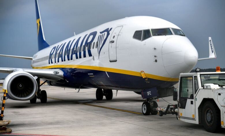 Ryanair says to charge for carry-on suitcases