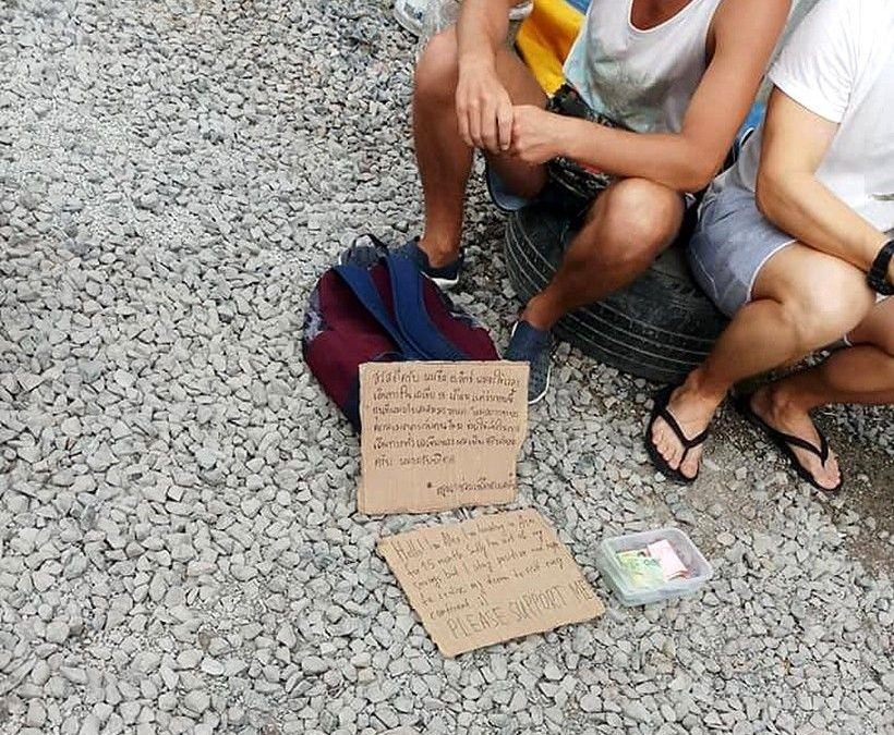 Tourists fined for begging in Phuket