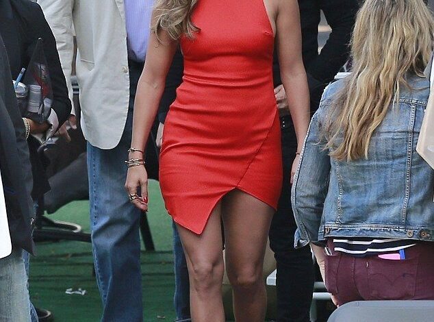 Jennifer Lopez Unveils Herself In A Very Tight Outfit And It's Hot