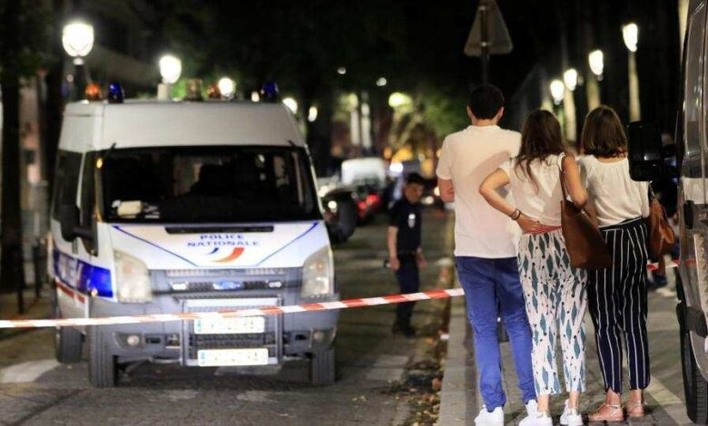 7 wounded including 2 UK tourists in Paris knife attack: sources