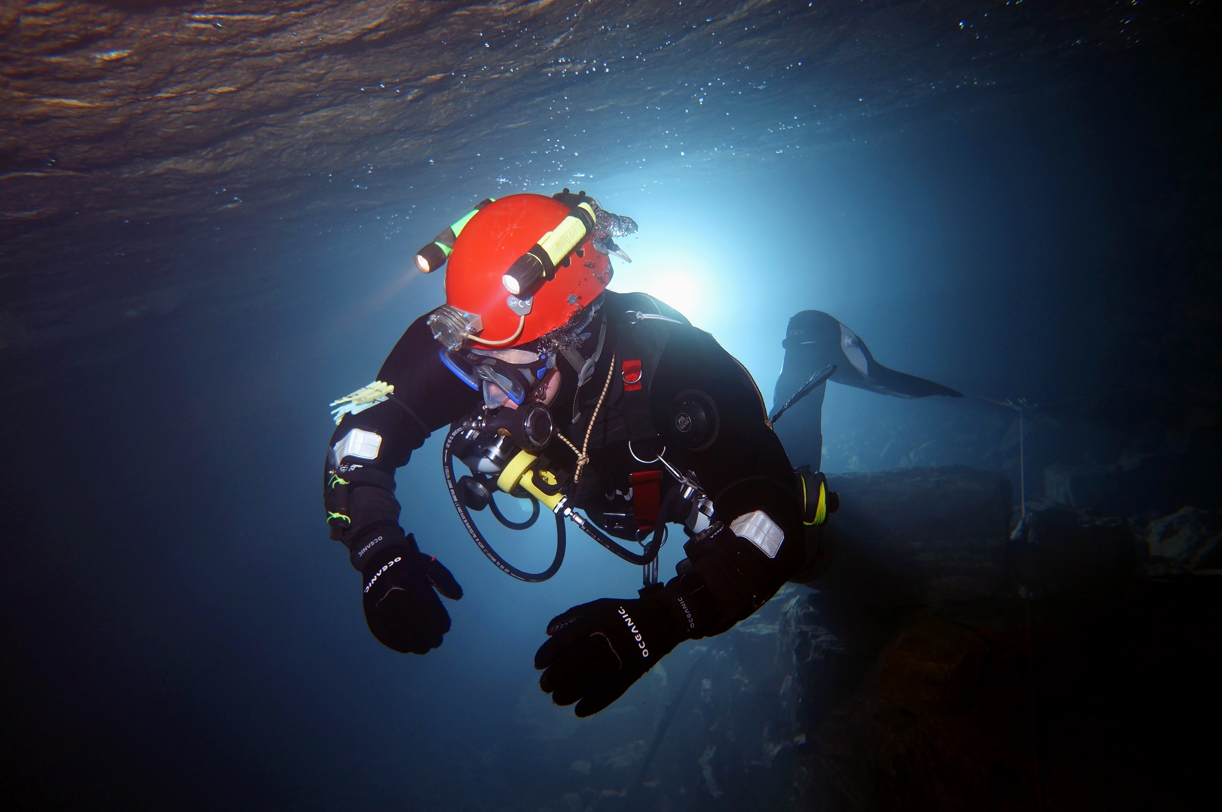 Breaking News: British cave divers also rescued four trapped