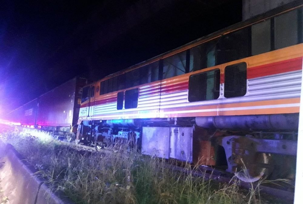 Drunk man loses left hand as freight train runs over him in Bangkok