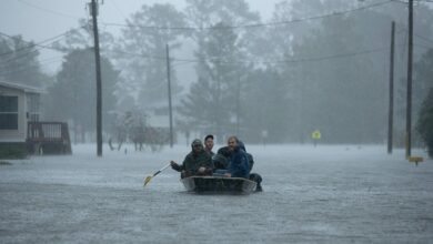 Florence turns deadly, unleashing torrential floods on Carolinas