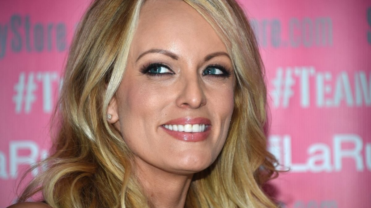Hot : Sex with Trump 'least impressive' she's ever had: Stormy Daniels