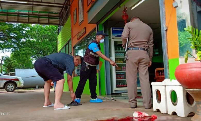 Husband killed, wife injured in gun attack on couple. A Thai man was shot dead while his wife was seriously injured in a gun attack at the Sri Suwan