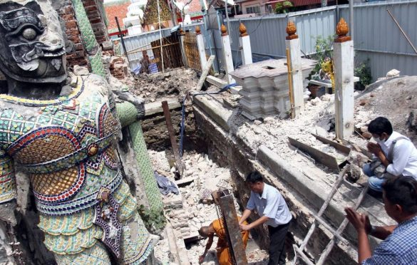 Negligence charges likely over bell tower collapse. The Bangkok Noi authority will have several temples under its jurisdiction examined for safety