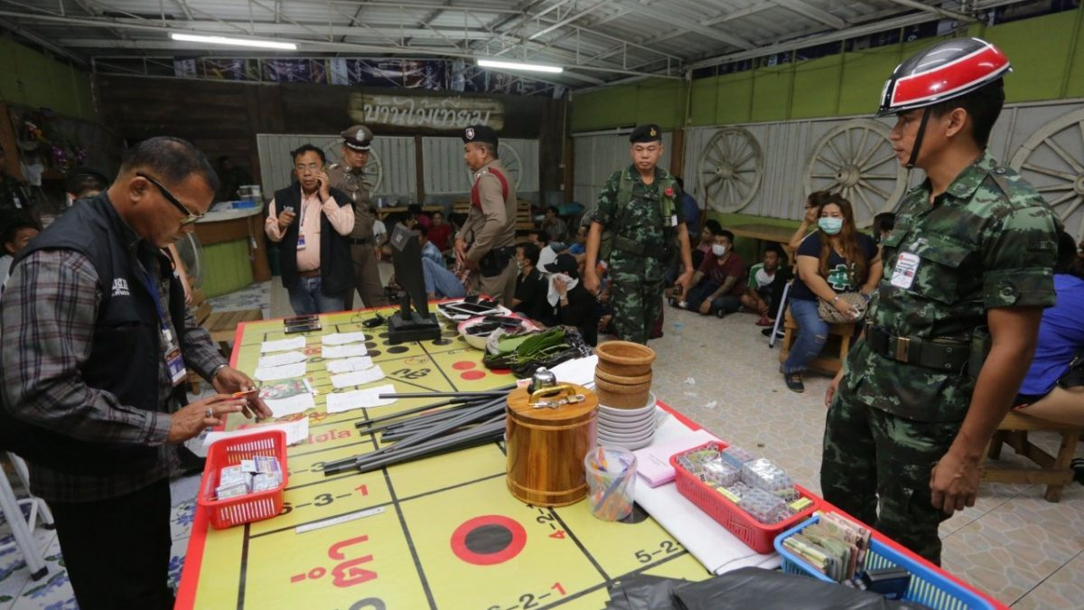 Police, troops double down on Bangkok dicing den, net 47 gamblers