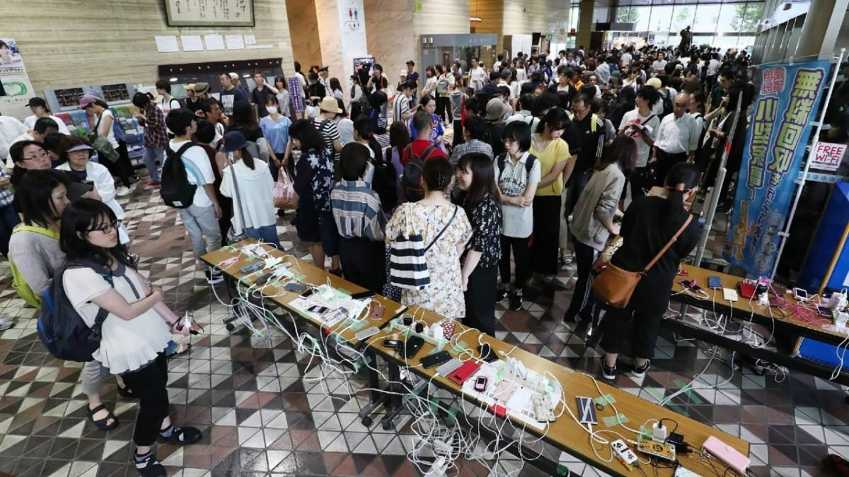 Sapporo flights cancelled after quake