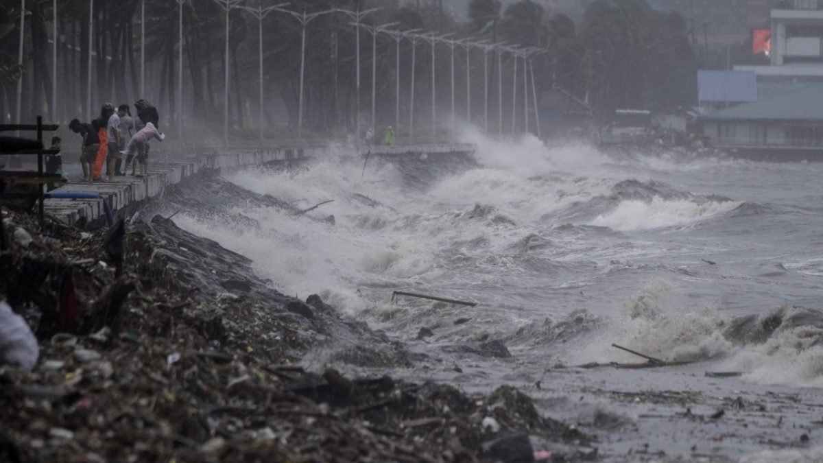 Super Typhoon Mangkhut claims first victims