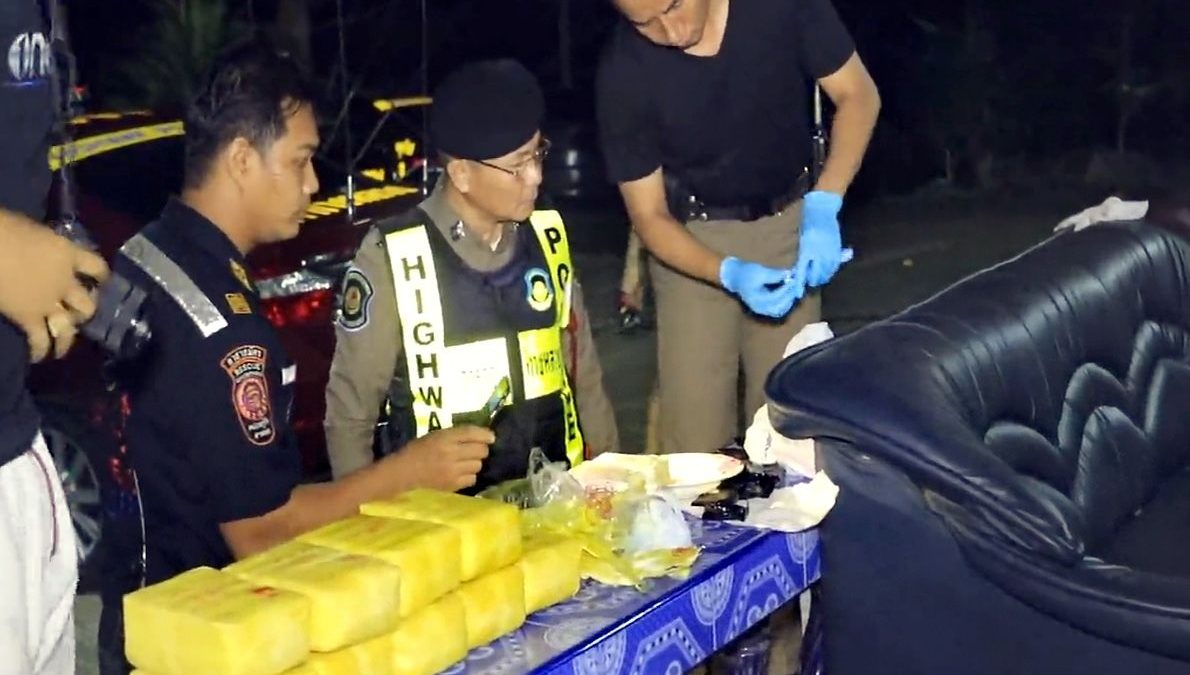 Car chase in Chumphon ends with meth seizure
