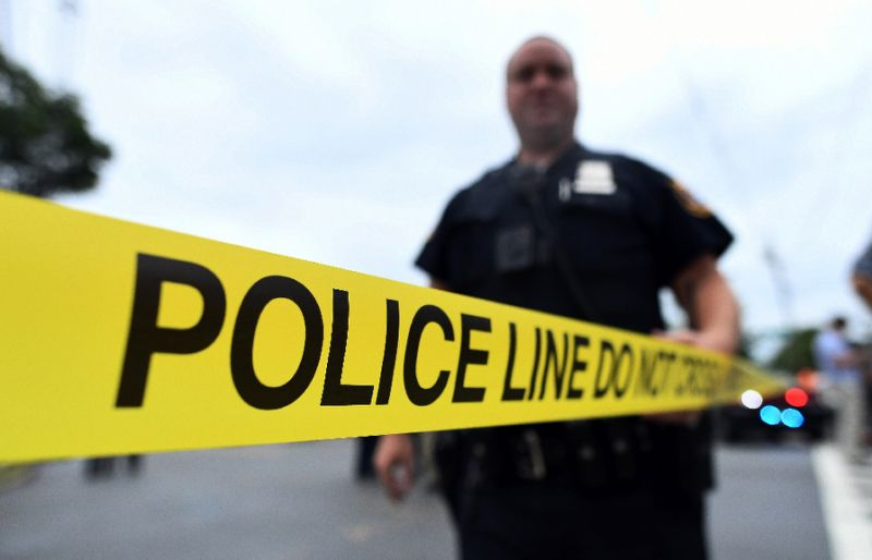 Five US police shot, one fatally: media