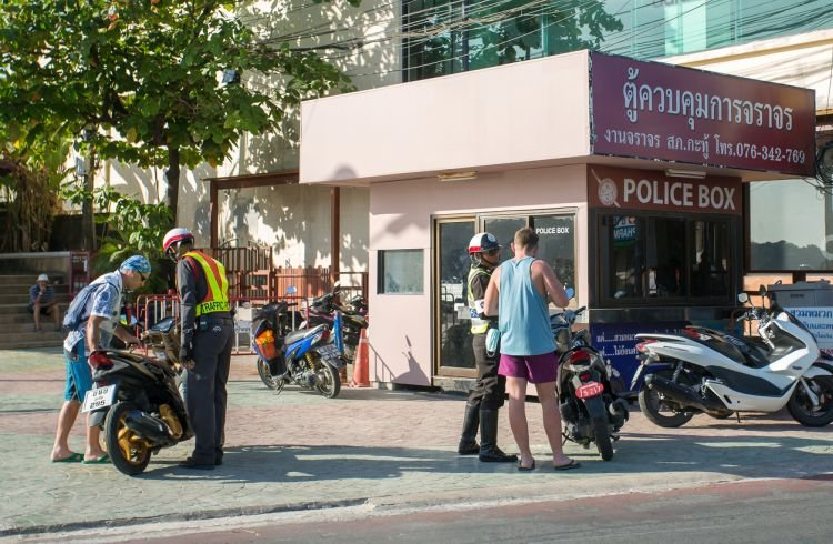 How to Deal With the Police in Thailand