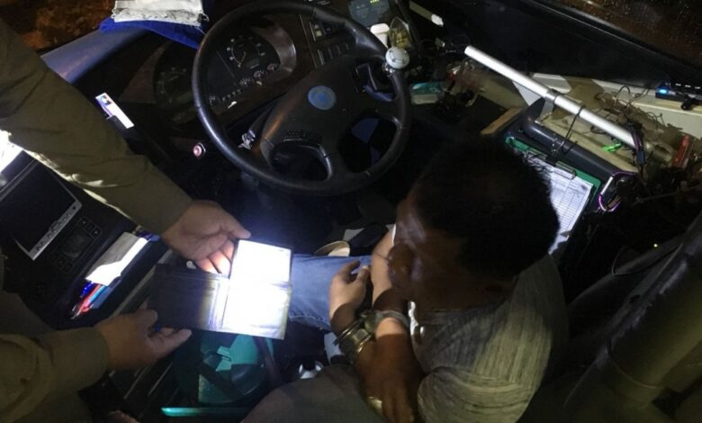 Pattaya tour bus driver nabbed for refusing to return American's wallet