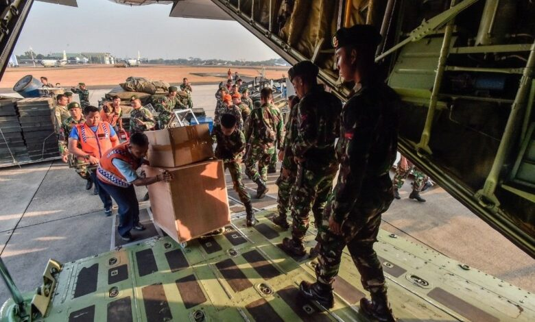 President Jokowi declares Indonesia open to foreign aid for
