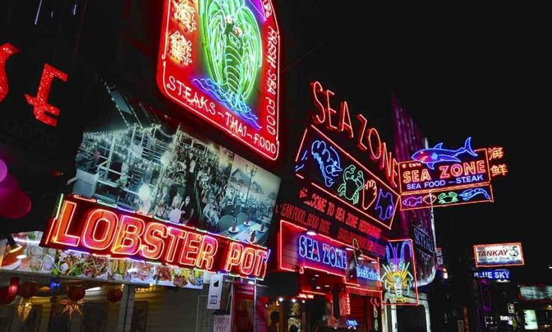 5 things you must know about Pattaya! Truthfully I don't think much of Pattaya. We went there once earlier in 2016 just because we were in Bangkok,