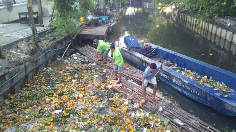 More than 800,000 krathong floats collected in Bangkok. A total of 841,327 krathong floats, most made with degradable materials, were collected