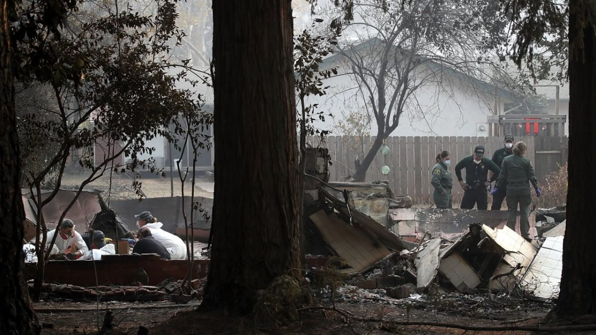 Number of missing jumps to more than 1,000 in California fire