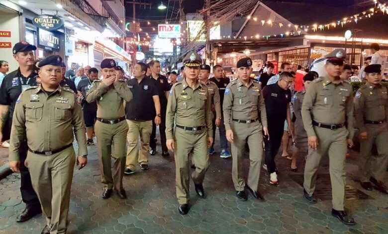 Tourist police top brass checks up on Walking Street. Acting chief of the tourist police Maj Gen Theeraphon Khupatanon dropped into Walking Street,