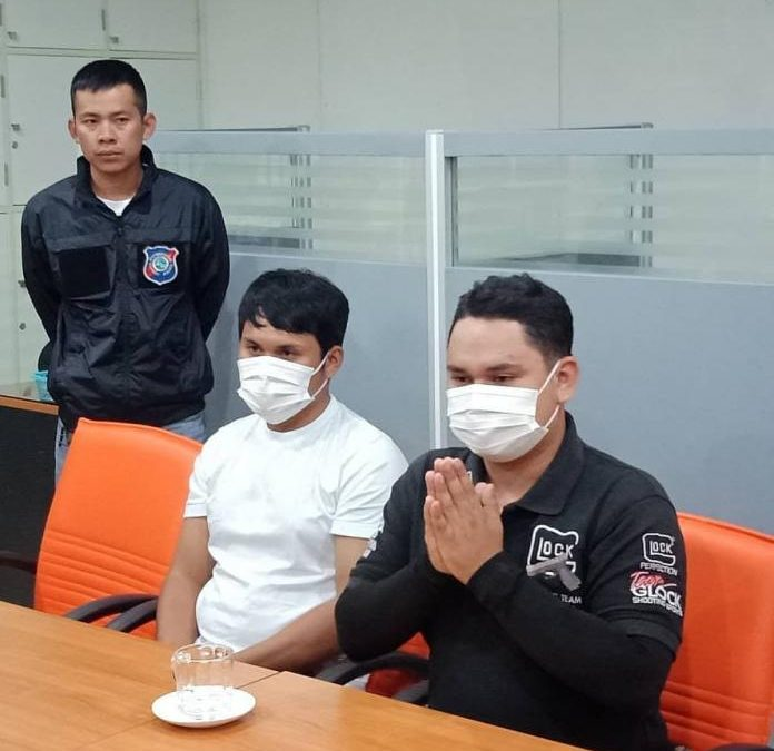 Two temporary Pattaya City Police Employees arrested for fining/extorting Chinese tourists at Bali Hai Pier