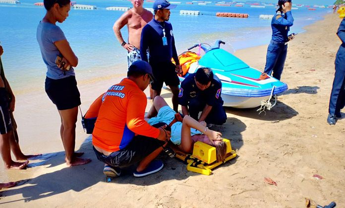 Dutch tourist hit by Jomtien jet ski compensated. Pattaya officials and police gave a Dutch tourist hit by a jet ski on Jomtien Beach 20,000 baht while she