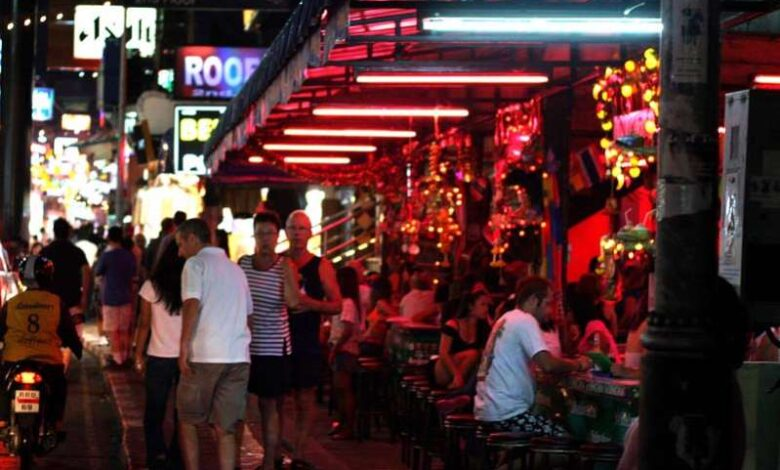 Foreigners in Pattaya to get SMS alert before their visa expires
