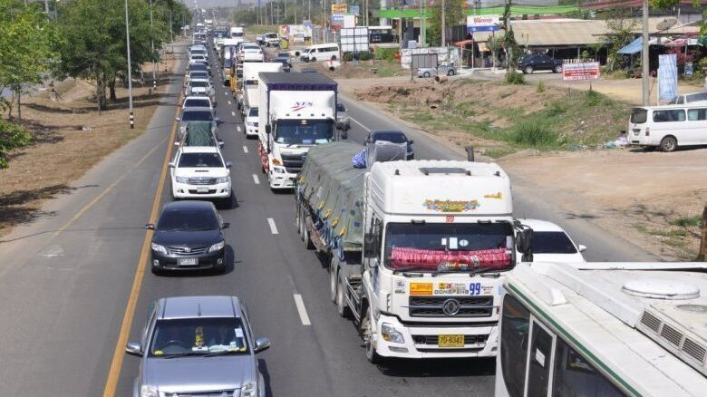 Large trucks banned from major northern, northeastern roads over New Year holidays. Ten-wheel or larger trucks are being banned from major roads to the.