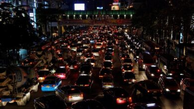 """Leading cause of Bangkok traffic found. This research was done by a Facebook user named """"SvNithi Yupho"""". Where she had always had bad experiences ."""
