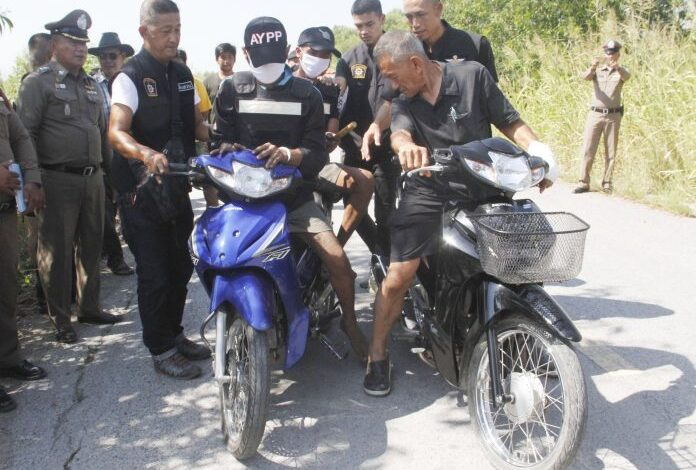 MUGGERS TARGETING ELDERLY AYUTTHAYANS ARRESTED ON FATHER'S DAY. Two twenty-something men confessed to targeting elderly motorcyclists .