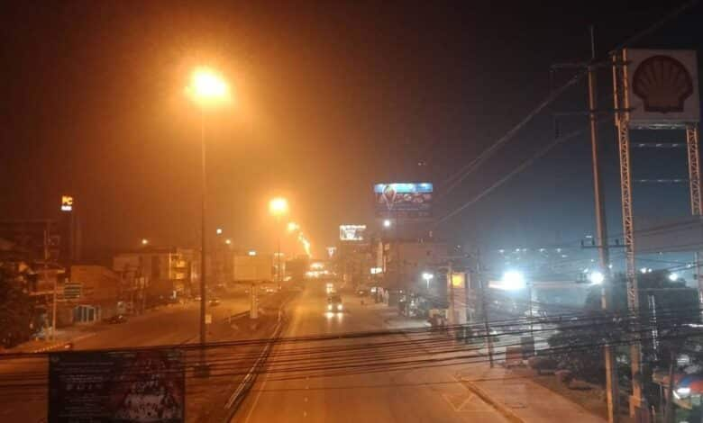 Mysterious 'dangerous' dust cloud covers Pattaya. Sophon reported that Pattaya was blanketed by a mysterious dust cloud the other night.