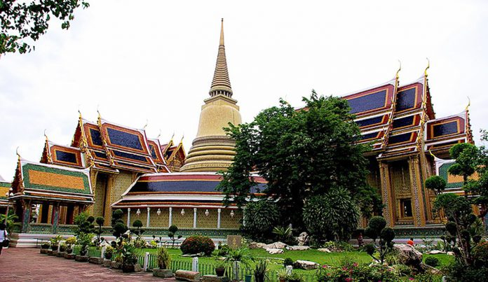 NZ TOURIST SEXUALLY ASSAULTED NEAR GRAND PALACE, POLICE SAY. Police said Monday they're hunting down a construction worker who allegedly