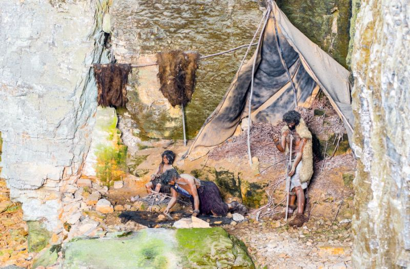 Neanderthals and Humans Were Hooking Up Way More