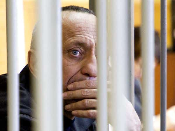 Russian court convicts ex-policemen of 56 murders