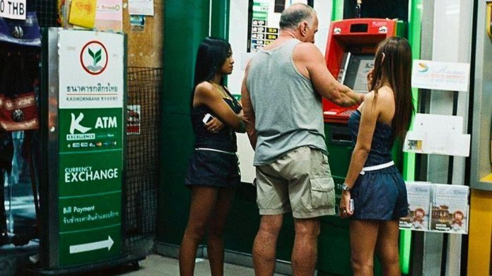 Thai banks to start charging for ATM withdrawals