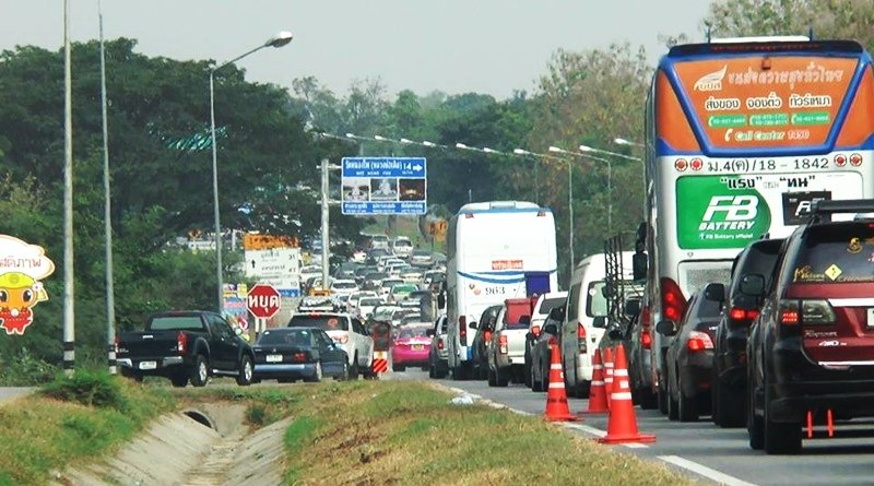 Traffic snarls as workers head home