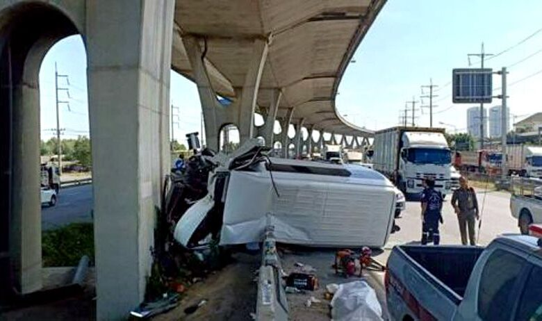 Van driver killed, eight Korean tourists among injured in Chachoengsao accident, Eight South Korean tourists were injured when the speeding van they were