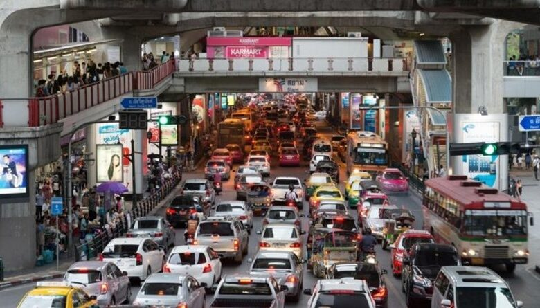 Bangkokians respond to Bangkok Governors advice to ditch private cars. The Bangkok Governor posted on his personal Facebook page a status asking Bangkokians