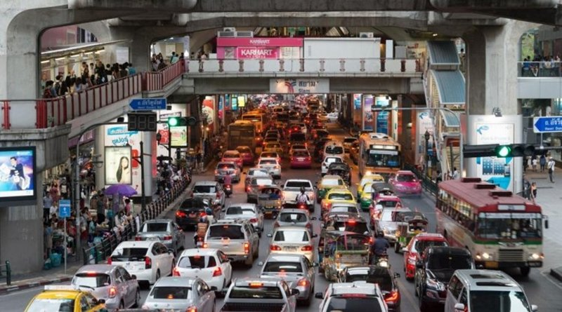Bangkokians respond to Bangkok Governors advice to ditch private cars.