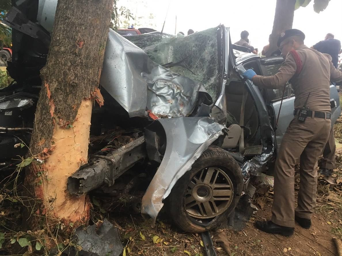 """Death toll rises to 236 in first four """"dangerous"""" days. A total of 236 people were killed and 2,265 others injured in 2,194 road accidents over the first"""