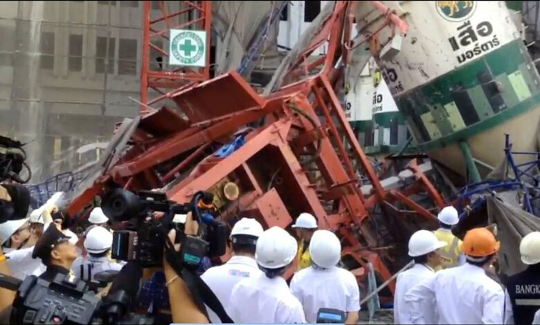 Engineers inspect deadly Bangkok crane collapse site. Civil engineers on Thursday inspected the scene where five workers were killed and five others