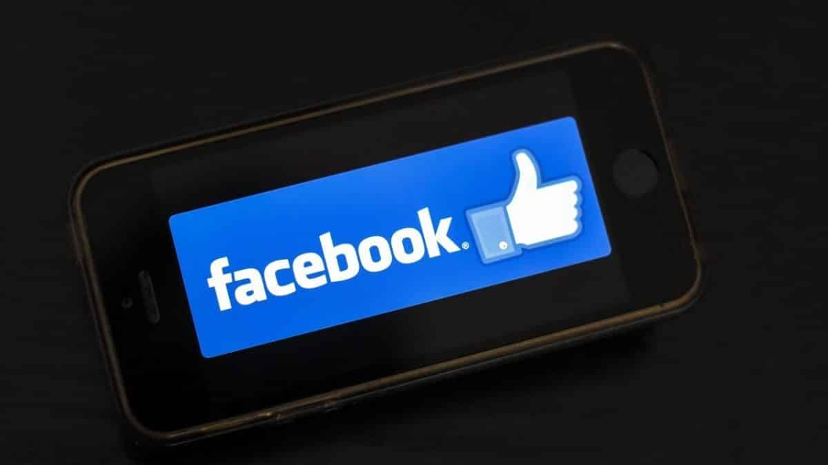 Facebook paid users to track smartphone use