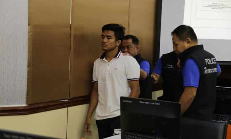 Famous Thai kick boxer arrested for alleged fight fixing. A muay thai boxer renowned for his fights at Bangkok's Rajadamnern Stadium has been