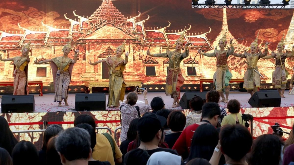 Khon performance takes centre stage at Amazing Thailand Countdown 2019