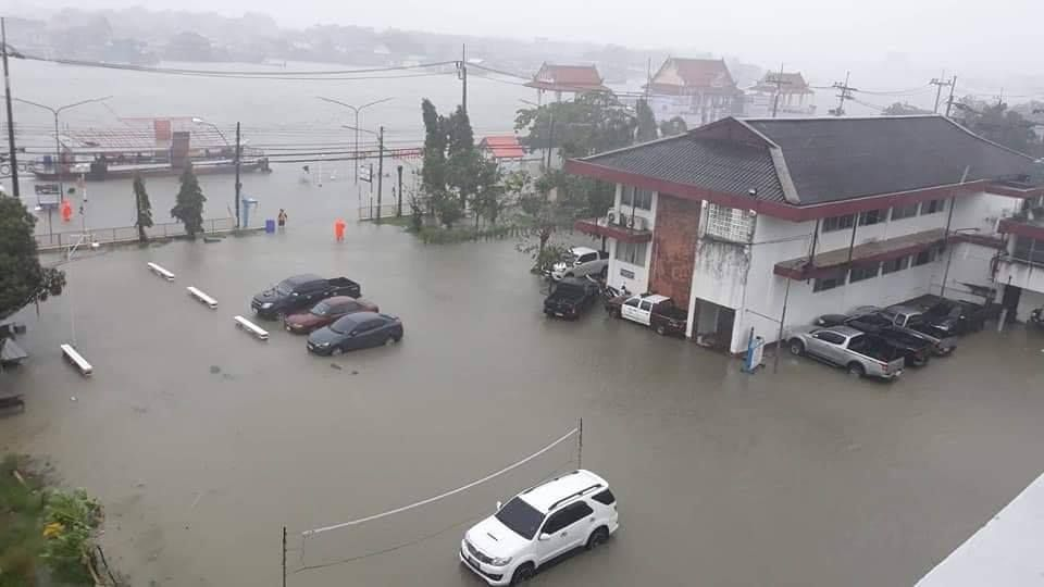Pabuk storm surge sweeps across Pak Phanang district. Pak Phanang district in Nakhon Si Thammarat were inundated by storm surge waves on Friday afternoon.